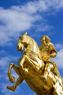 金の像.jpg